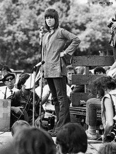 Jane Fonda Finally Apologizes