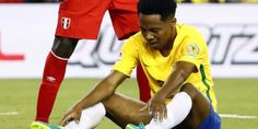 Sans Neymar, préservé en vue des JO de Rio (5-21 août), le Brésil est éliminé dès le premier tour de la Copa America. La Seleçao s'est inclinée (1-0) contre le Pérou, sur un but de Ruidiaz, qui s'est aidé de la main.