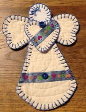 CUTTER QUILT ANGEL PRIMITIVE QUILT MIXED MEDIA FABRIC COLLAGE (CQA-633) Christmas Angel Ornaments, Easy Christmas Crafts, Christmas Sewing, Christmas Decorations, Christmas Quilting, Quilted Ornaments, Felt Ornaments, Cute Crafts, Creative Crafts