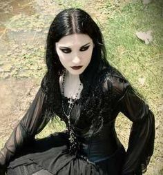 To truly know emo, let us first find out what is not emo. Emo is often mistaken for goth, and vice versa, as well as for scene and punk . Hot Goth Girls, Gothic Girls, Gothic Glam, Punk Girls, Victorian Goth, Gothic Steampunk, Goth Beauty, Dark Beauty, Dark Fashion