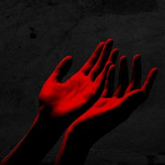 Photography dark hands inspiration New Ideas Witch Aesthetic, Red Aesthetic, Devil Aesthetic, Aesthetic Images, Neon Rouge, Gwendolyn Christie, Bubbline, Scarlet Witch, Vaporwave