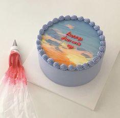 Pretty Birthday Cakes, Pretty Cakes, Beautiful Cakes, Amazing Cakes, Funny Birthday, Art Birthday, Comida Do Starbucks, Simple Cake Designs, Simple Cakes