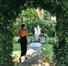 There's wonder around every corner in our garden. Let's get lost... #BelmondPostcards by Gary Pepper