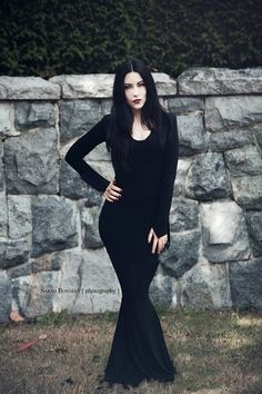Vestido Mortícia Addams em malha - Inside Out plus size moda alternativa