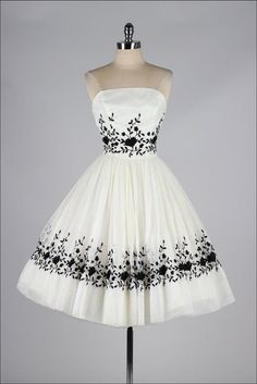 34 #Stunning Vintage #Dresses You Are Going to Want in Your #Closet ... →…