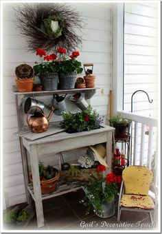 003 gailsdecorativetouch.blogspot.com  I LUV POTTING BENCHES...bj