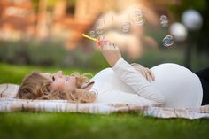 Maternity Photo and Pregnancy Announcement Ideas