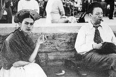 Los vestidos, blusas, pantalones, joyas y rebozos de la pintora mexicana Frida Kahlo que estuvieron bajo llave durante 50 años por órdenes de Diego Rivera serán exhibidos por primera vez al público en noviembre próximo.    La colección, titulada 'Las apariencias engañan: Los Vestidos de Frida Kahlo', será exhibida en la Casa Azul, ubicada en el barrio capitalino de Coyoacán, donde vivía la famosa pareja y que ahora lleva el nombre de la pintora.