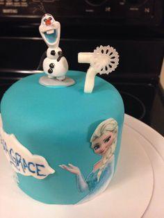Disney Frozen Cake with Edible Image Elsa
