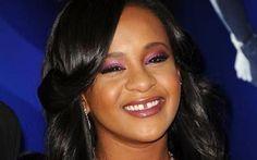 È morta la figlia di Whitney Houston, era in coma da sette mesi È morta la figlia di Whitney Houston, era in coma da sette mesi. Bobbi Kristina Brown era la figlia 21enne della cantante Whitney Houston e di Bobby Brown. La ragazza era stata trovata priva di sensi