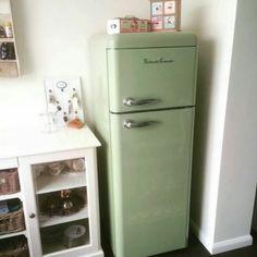 de retro jaren 39 50 koelkasten van schaub lorenz beschikken nu ook over een energieklasse a. Black Bedroom Furniture Sets. Home Design Ideas
