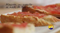 Tostadas de pan y tomate con sardinas a la antigua ORTIZ by foodfilmmakers. Bread toast with tomato & traditional ORTIZ sardines