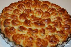 "Placinta ""Crizantema"" - LaLena.ro Romanian Food, Pastry And Bakery, Apple Pie, Ice Cream, Desserts, Recipes, No Churn Ice Cream, Tailgate Desserts, Deserts"
