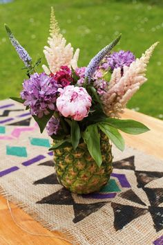 wonderful pineapple centrpieces ideas (4)