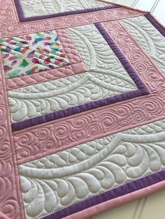 22 Ideas free motion quilting borders table runners – Famous Last Words Quilting Beads Patterns Quilting Stitch Patterns, Machine Quilting Patterns, Quilt Stitching, Quilt Patterns, Quilting Ideas, Quilting Stencils, Longarm Quilting, Free Motion Quilting, Centerpiece Table