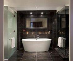Deluxe bath at Rosewood Hotel Georgia