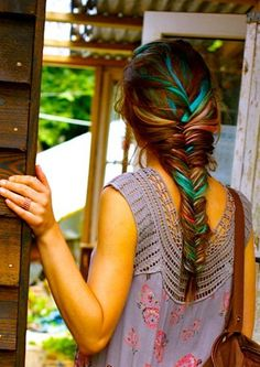 Hair Chalk - Awesome Teal Fish Tail Braid - this is awesome, it looks. Is it weird that I'd want this as my wedding hairstyle? My Hairstyle, Pretty Hairstyles, Braid Hairstyles, Hairstyles Haircuts, Summer Hairstyles, Teenage Hairstyles, Bright Hair Colors, Hair Colours, Pastel Colors