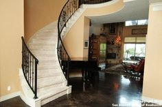 Staircase W Paint Amp Stain Instead Of Wrought Iron