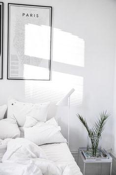40 Minimalist Bedroom Ideas | Minimal Colors #MinimalistBedroom