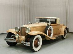 1931 Cord Cabriolet New cogs/casters could be made of cast polyamide which I (Cast polyamide) can produce Retro Cars, Vintage Cars, Antique Cars, Vintage Items, Cord Automobile, Auburn Car, Cord Car, Classy Cars, Old Classic Cars