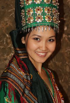 Turkmenistan costume