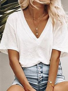 Shirts & Tops, Outfit Chic, Blouses For Women, T Shirts For Women, Stylish Shirts, Casual T Shirts, Casual Outfits, Club Fashion, Emo Fashion