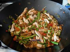 Menu Dieta, Kung Pao Chicken, Meat, Ethnic Recipes, Food, Soy Sauce, Breast, Spice, Onion