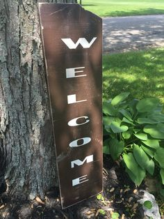 Cute little welcome sign to welcome your guests. Measures approximately 9 1/2 x 35 1/2. A piece of wood broke off on the top right but I love it and think it adds charm. Your custom sign will not have that.  Facebook at https://www.facebook.com/Gray-Barn-Creations-176464382753399 Instagram at https://www.instagram.com/gray_barn_creations/ Pinterest at https://www.pinterest.com/graybarncreatio/