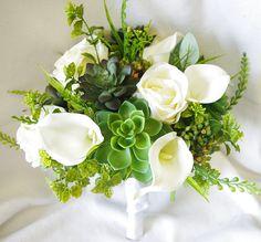 Hochzeit Sukkulenten und Roses Bouquet  weisse Rosen von Wedideas, $115.00