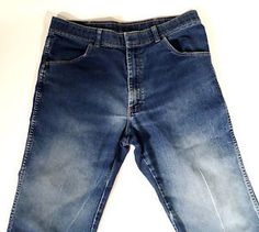 VINTAGE Mens Size 34x27 Wrangler Stone Washed Jeans, Pressed Crease on Leg