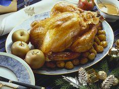 Weihnachtlicher Putenbraten mit Maroni und Äpfeln - smarter - Zeit: 3 Std. 30 Min.   eatsmarter.de