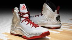 6b5531ef8665 The adidas D Rose 5 Boost  Home  is one of the colorways Derrick Rose will  be wearing when the Chicago Bulls play at the United Center.