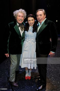 Actors Michael Crawford, Danielle Hope and Lord Andrew Lloyd Webber. New West, West End, Broadway Theatre, Musical Theatre, New Wizard Of Oz, Stage Props, Baby Animals Super Cute, Ruby Slippers, Phantom Of The Opera