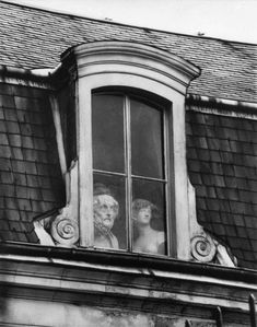 André Kertész :: Window on the Quai Voltaire, Paris, 1928 / more [+] by this photographer