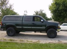 I totally am keen on the things these guys did to this modified Lifted Chevy Trucks, Gm Trucks, Diesel Trucks, Cool Trucks, Pickup Trucks, Chevrolet Silverado 1500, Chevy 1500, Overland Truck, Powerstroke Diesel