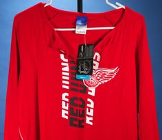 42d5731a189 Detroit Red Wings Women s 2XL Fitted Shirt Reebok NHL Long Sleeve Hockey NWT
