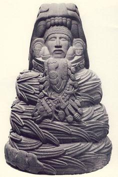 El iniciado azteca ya ha sido devorado por la serpiente. Es un hombre serpiente...