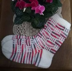Syklaamit Joko, Ravelry, Christmas Stockings, Knit Crochet, Slippers, Knitting, Sewing, Holiday Decor, Pattern