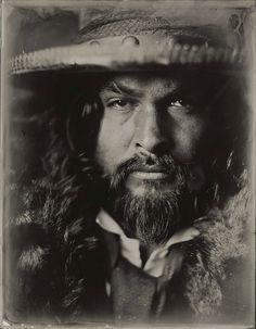 В феноменальной смеси современных и древних техник, фотограф из Нью-Йорка Виктория Вилл создала серию экстраординарных портретов актеров