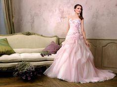 Robe de mariée rose en tulle