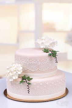 Hochzeitstorten - Klassisch - Hochzeitstorten-S. Simple Elegant Wedding, Elegant Wedding Cakes, Rustic Wedding, Fancy Cakes, Pink Cakes, Blush Weddings, White Weddings, Elegant Birthday Cakes, Engagement Cakes