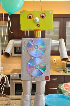 karton-ve-rulolardan-robot - Cartoon Network Recycled Robot, Recycled Crafts Kids, Recycled Art Projects, Craft Projects, Crafts For Kids, Recycling Projects For Kids, Diy Robot, Robot Art, Robot Crafts