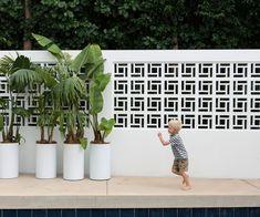 Shelley Ferguson turns her unloved garden into a Palm Springs paradise House Gate Design, Door Gate Design, Landscaping Around Pool, Backyard Landscaping, Decorative Concrete Blocks, Palm Springs Mid Century Modern, Breeze Block Wall, Modern Fence Design, Cinder Block Walls