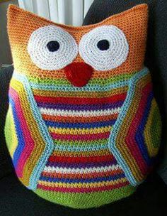 Cojín Buho,crochet.