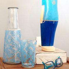 Presente útil e decorativo esta moringa em vidro estampado. Estampas alegres e originais com estilos variados para agradar as mais diversas personalidades.