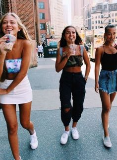 40 New Street Wear Style Outfits Ideas To Look Cool – Trendy Fashion Ideas Bff Pics, Photos Bff, Cute Friend Pictures, Friend Photos, Cute Photos, Best Friend Fotos, Shotting Photo, Cute Friends, Friend Goals