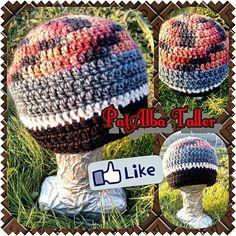 Gorros varios colores tejidos a crochet ☕❄⛄✔ #PatAlbaTaller #emprededora #diseñodeautor #handmade #artesana #confeccionapedido #tejidos #crochet.