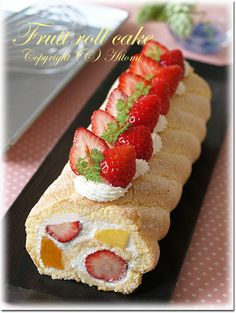 .strawberry cake roll