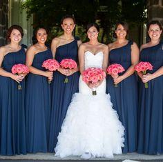 Lindas madrinhas / bridesmaid de azul e buquês rosa claro