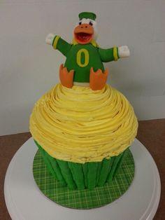 Oregon Ducks Cupcake Cake